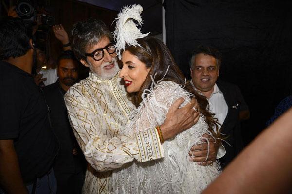 Amitabh Bachchan's daughter Shweta turns writer