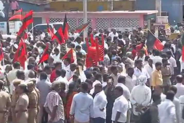 DMK workers protesting against CMB issue in Chennai  on