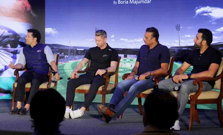 India Tv - Sachin Tendulkar shares the stage with former Australian captain Michael Clarke and Team India coach Ravi Shastri (Photo Courtesy: Yogen Shah)