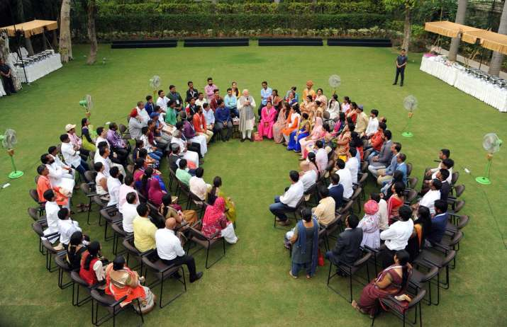 PM Modi interacted with a few Mudra beneficiaries today