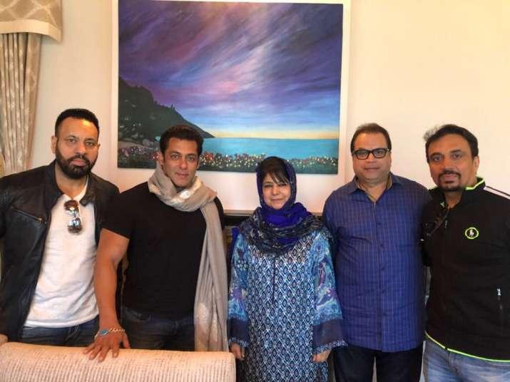 Race 3 Salman Khan Meets Cm Mehbooba Mufti In Kashmir Celebrities