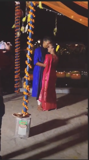 India Tv - Milind Soman and Ankita Konwar share a romantic dance.