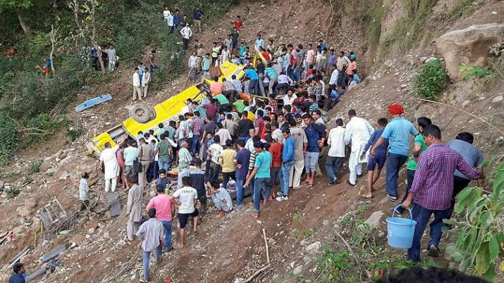 30 people, including 27 children, killed as bus falls into