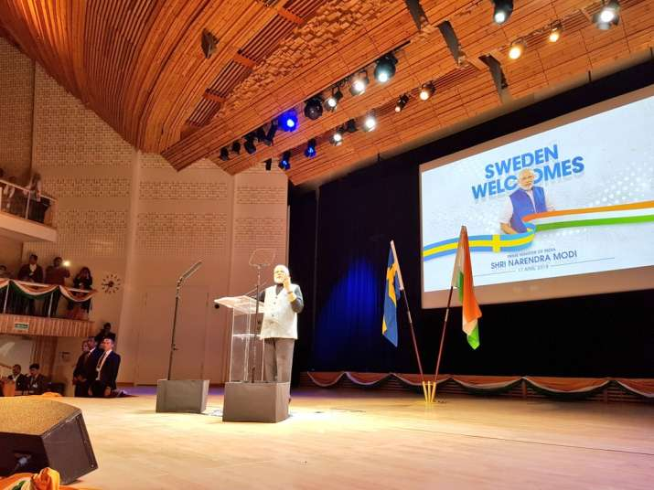 PM Modi addresses Indian community in his final programme