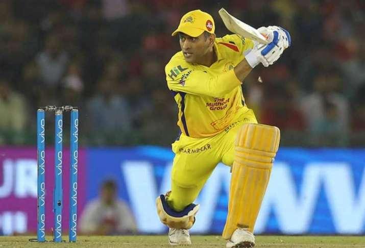 India Tv - MS Dhoni scored 74 runs against Kings XI Punjab.