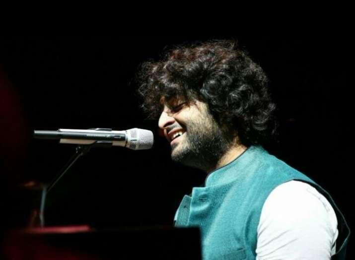 India Tv - Singer Divya Kumar appreciates Arijit Singh on his birthday, calls him God