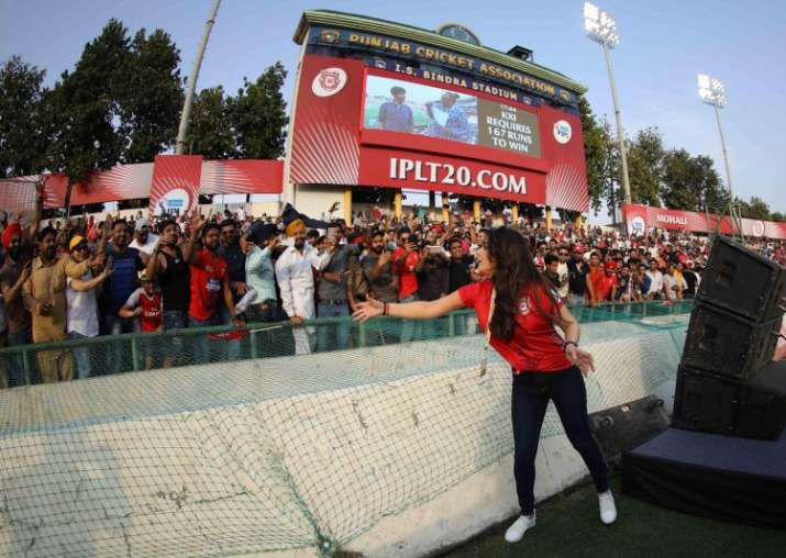 India Tv - Preity Zinta interacting with fans during the IPL match
