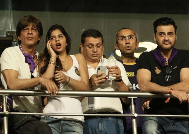 India Tv - KKR co owner SRK with his Daughter and others at VVIP area during match three of the Vivo IPL 2018