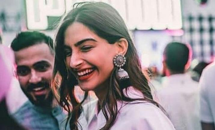 Here's what Sonam Kapoor has to say on marriage rumours