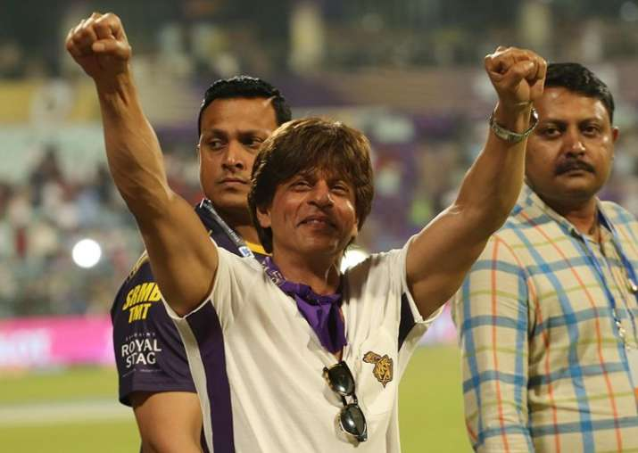 India Tv - Shah Rukh Khan celebrates KKR's victory at Eden Gardens