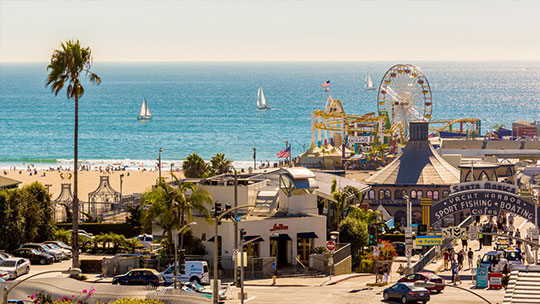 Looking for a perfect beach holiday? Visit Santa Monica