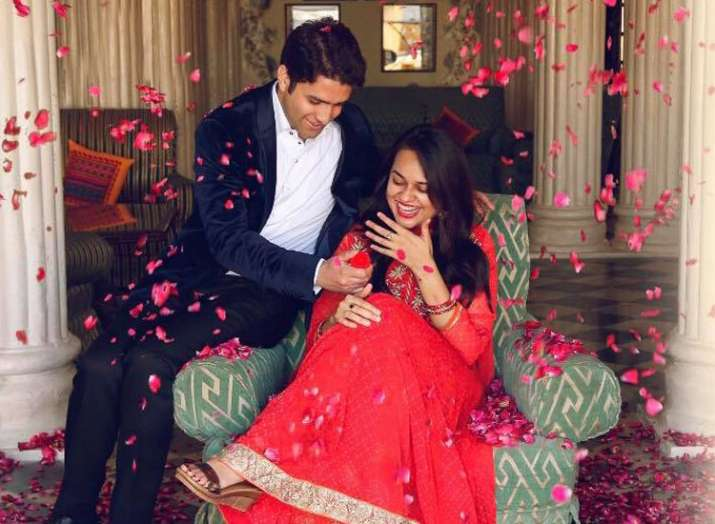 2015 IAS topper Tina Dabi marries man who ranked No. 2