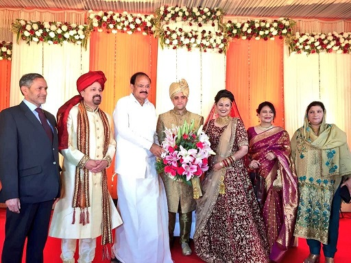 India Tv - Vice President Venkaiah Naidu attends the wedding reception of Dabi and Shafi in Delhi, who solemnised their relationship in Kashmir earlier this month
