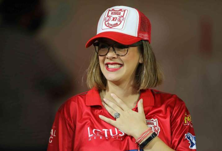 India Tv - Hazel Keech during match thirty-four of the Vivo Indian Premier League 2018