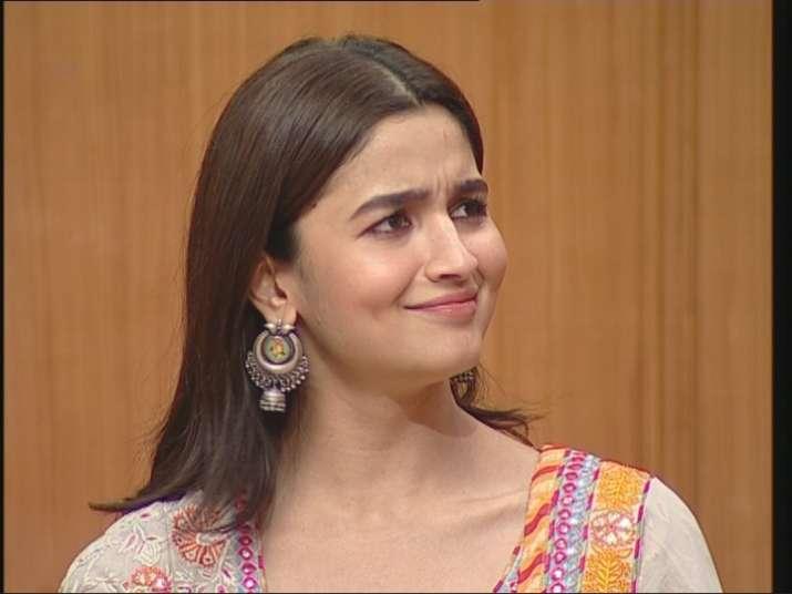 aap ki adalat alia bhatt recalls incident when she broke down in