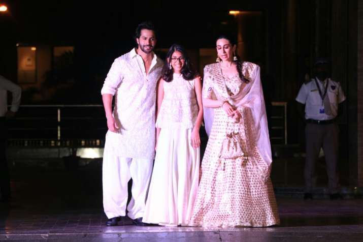 9f8dcd4a77 Sonam Kapoor Mehendi and Sangeet: Bollywood celebs add glamour and ...