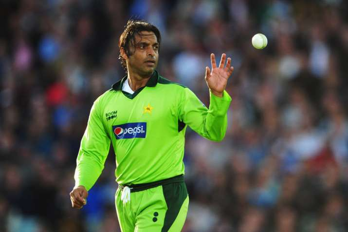 Shoaib Akhtar Posts Old Pic, Gets Trolled For 'faking Age'