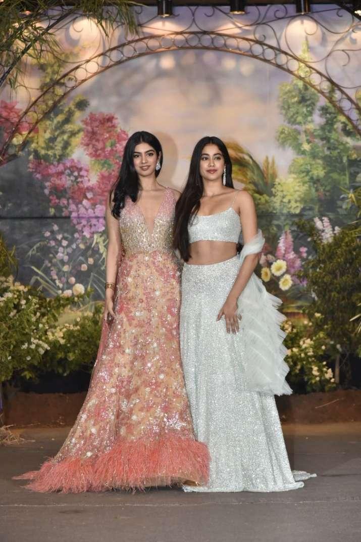 India Tv - Janhvi and Khushi Kapoor