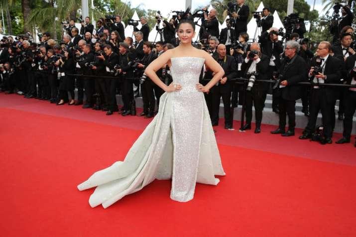 Cannes 2018 Aishwarya Rai Bachchan Looks Like A Princess In An