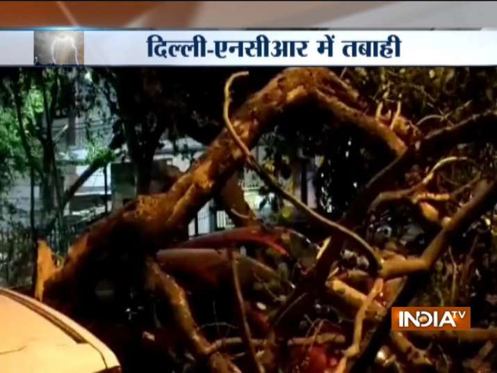 India Tv - Thunderstorm wreaks havoc in Delhi