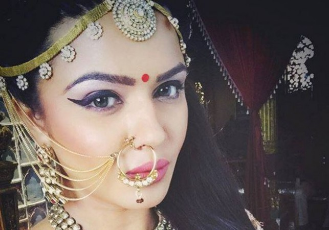 Aashka Goradia reveals interesting details about Naagin 3