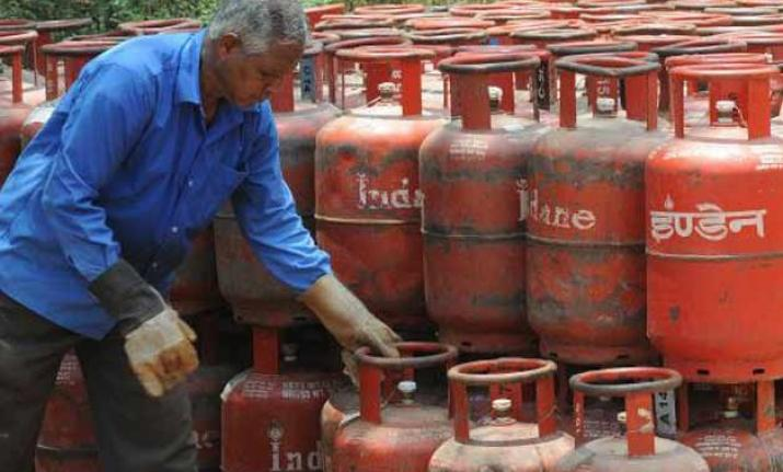 Govt claims LPG prices have fallen by Rs 100 in May