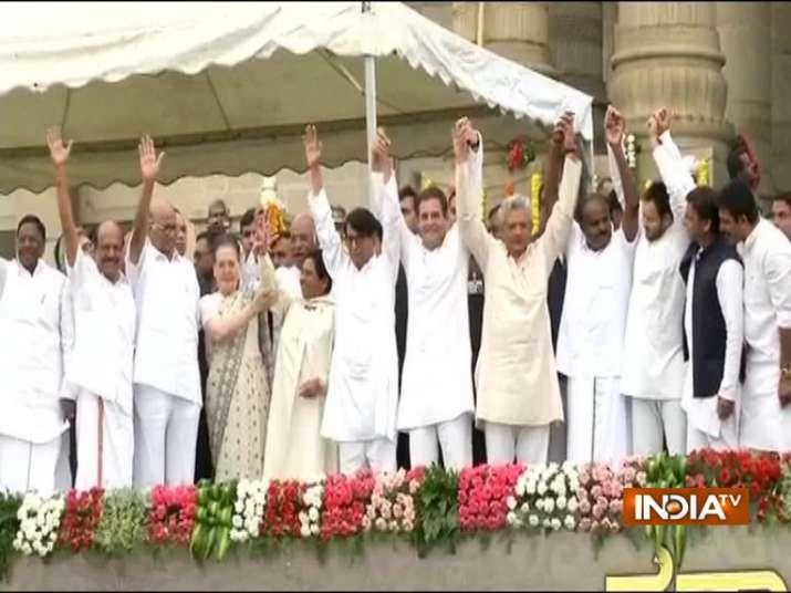 Karnataka swearing-in ceremony LIVE: HD Kumaraswamy takes