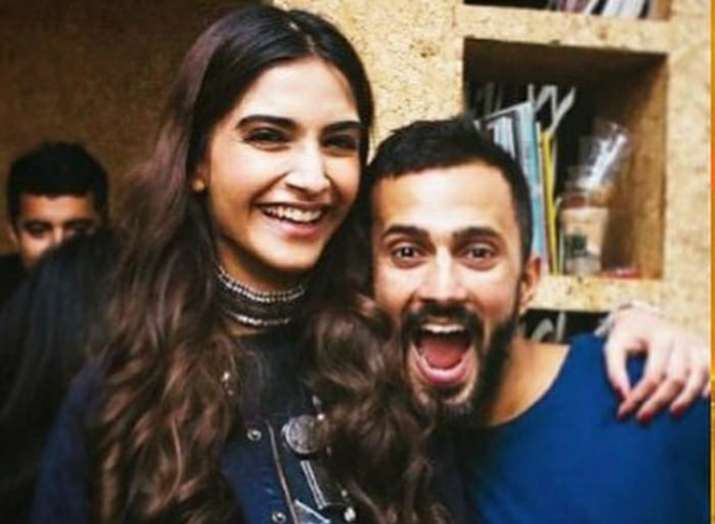 India Tv - Varun Dhawan leaves work for Sonam Kapoor-Anand Ahuja's wedding