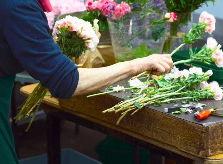 India Tv - Tips and Tricks to keep your floral arrangements fresh for long hours