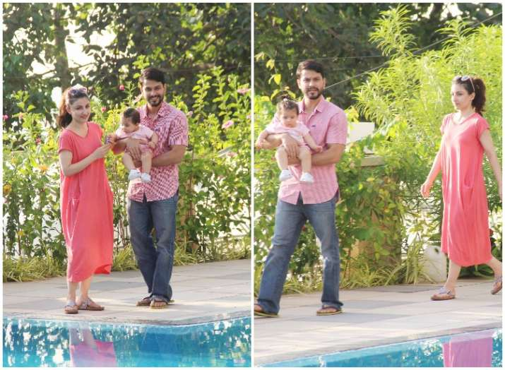 Baby Innaya naumi khemu enjoys pool time with parents