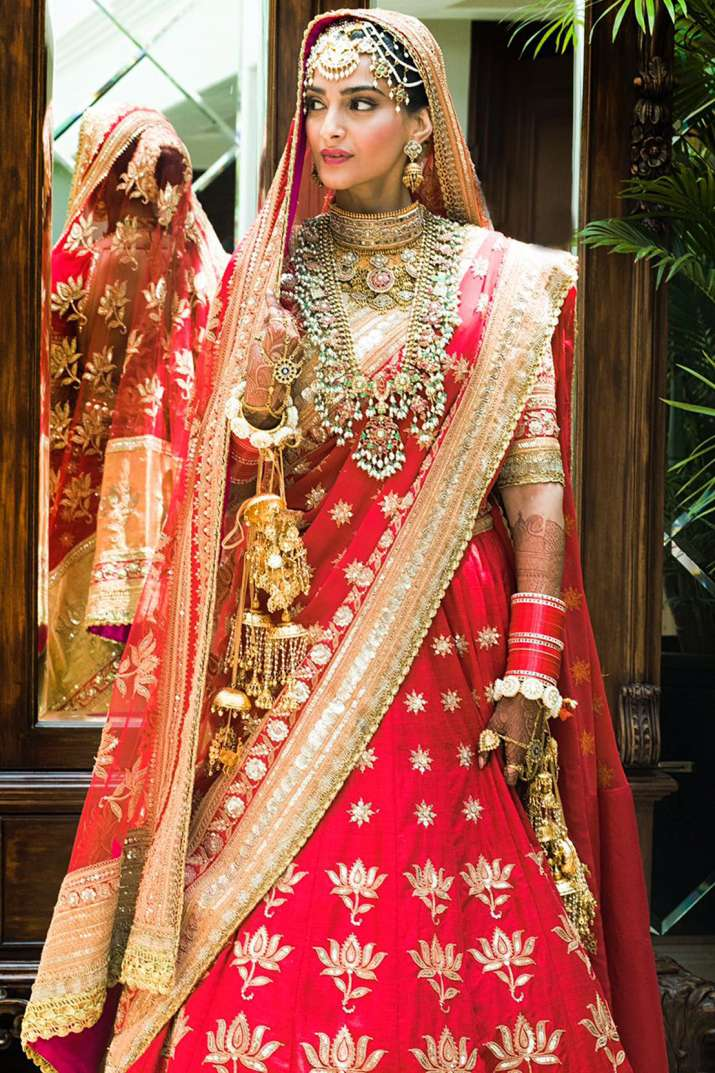 India Tv - Sonam Kapoor Wedding: The actress looks like descended from heaven in her wedding look