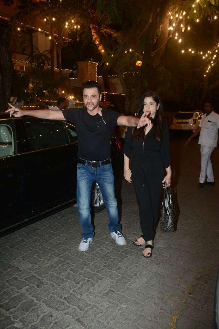 India Tv - Uncle Sanjay Kapoor with wife Maheep atSonam Kapoor Anand Ahuja pre wedding bash