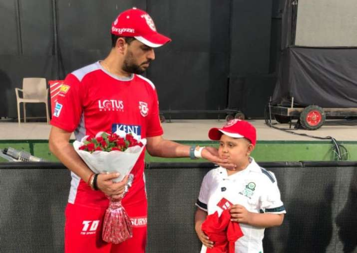 IPL 2018: Yuvraj Singh makes 11-year old cancer patient's wish come true; Twitterati can't stop praising