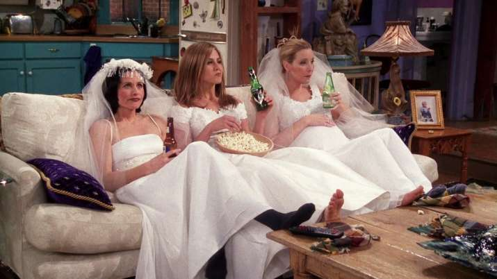 India Tv - Jennifer Aniston will be Courteney Cox's Maid-of-Honor