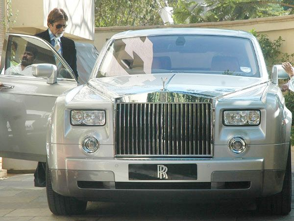India Tv - 7 Celebrities whose expensive and luxurious cars