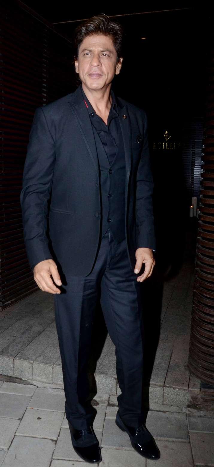 India Tv - Shah Rukh Khan at Aanand L Rai birthday party