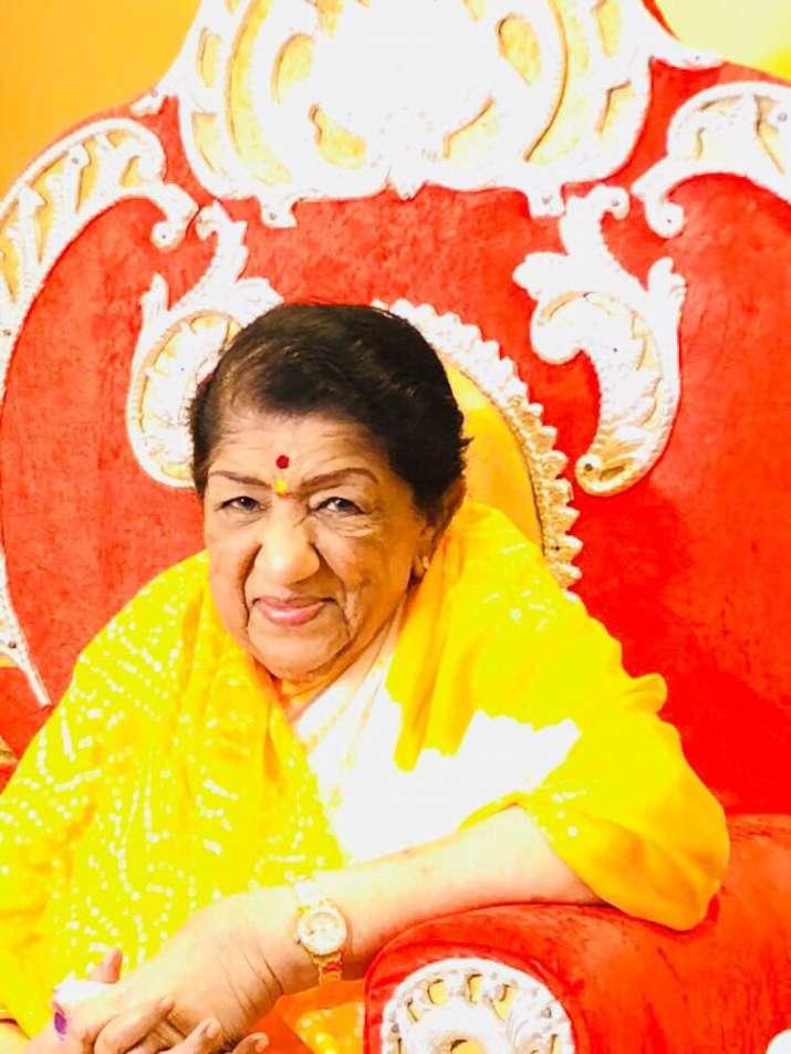 India Tv - Lata Mangeshkar talks about lateBhaiyyuji Maharaj