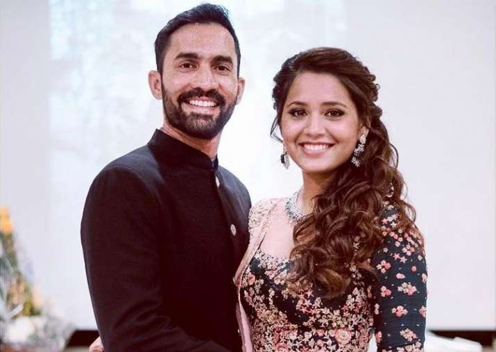 Dinesh Karthik with his wife Dipika Pallikal
