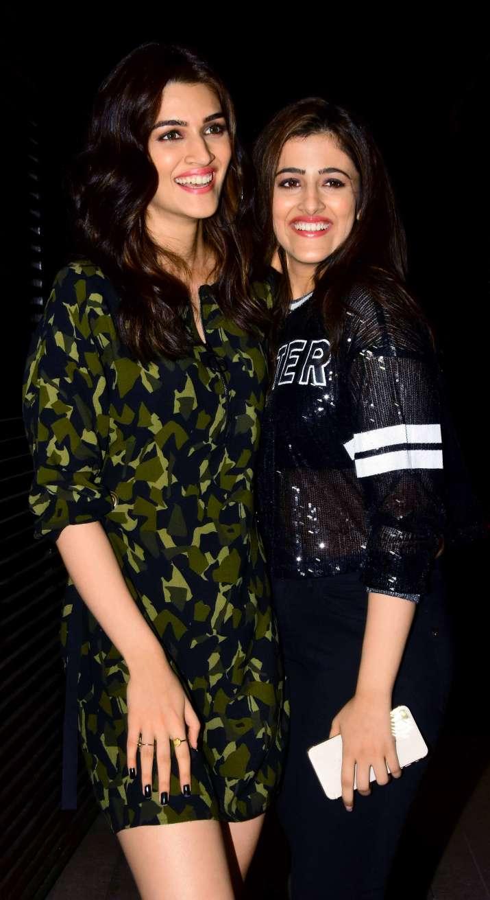 India Tv - Kriti Sanon with sister Nupur Sanon atAanand L Rai birthday party