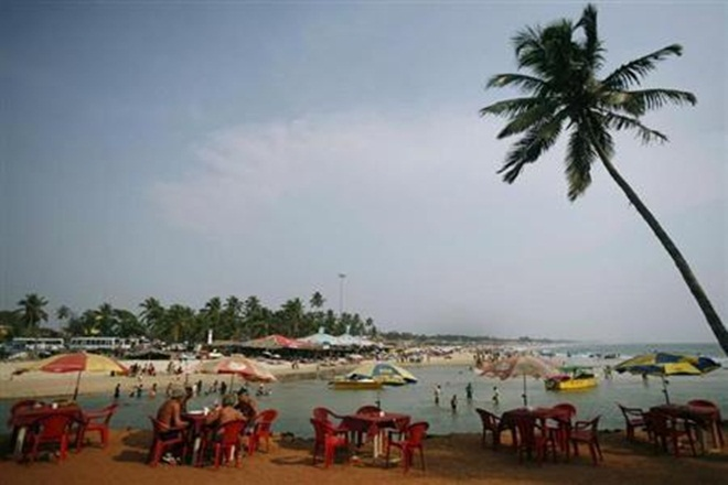 2 Tamil Nadu tourists drown while clicking selfies on Goa