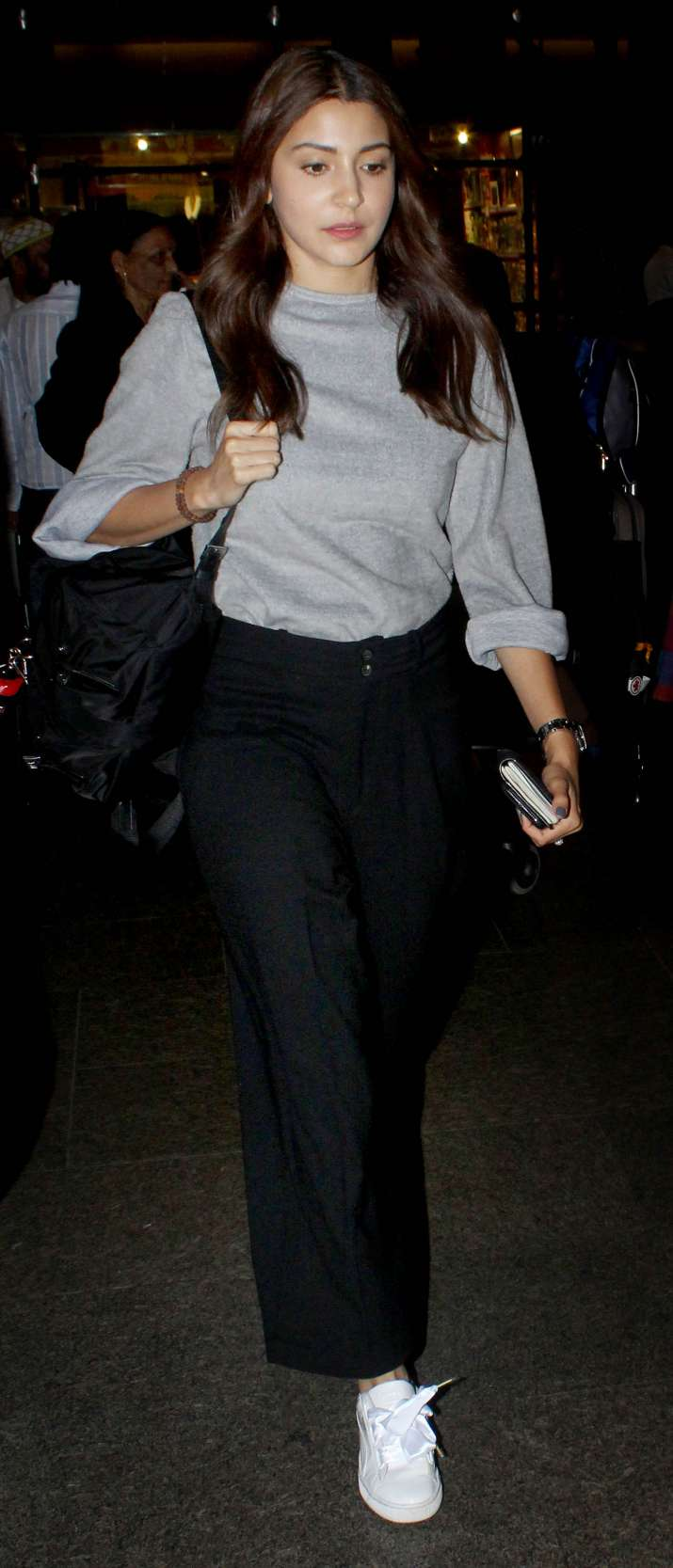 India Tv - The lady returned to Mumbai on Tuesday and was captured by the paparazzi at the airport.