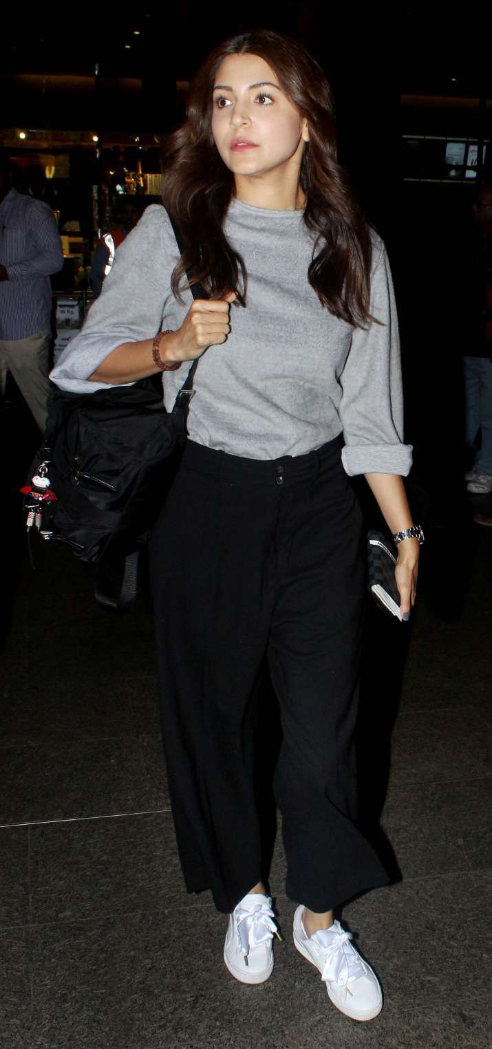 India Tv - The actress didn't pose or smile at the shutterbugs, however, she looked absolutely stunning in her casual airport outfits.