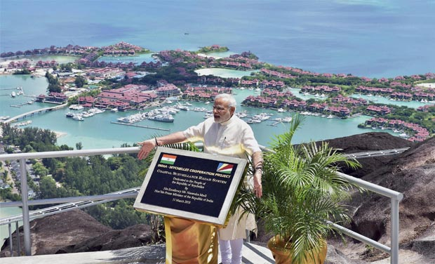 India Tv - PM Modi unveiling a plaque during the dedication of the India-Seychelles cooperation project 'Coastal Survillence Radar System' in Mahe, Seychelles in March 2015. During his trip, which was first ever by an Indian PM since 1981, the prime minister had announced the ambitious SAGAR project to boost India's influence in Indian Ocean and strengthen ties with IOR nations.