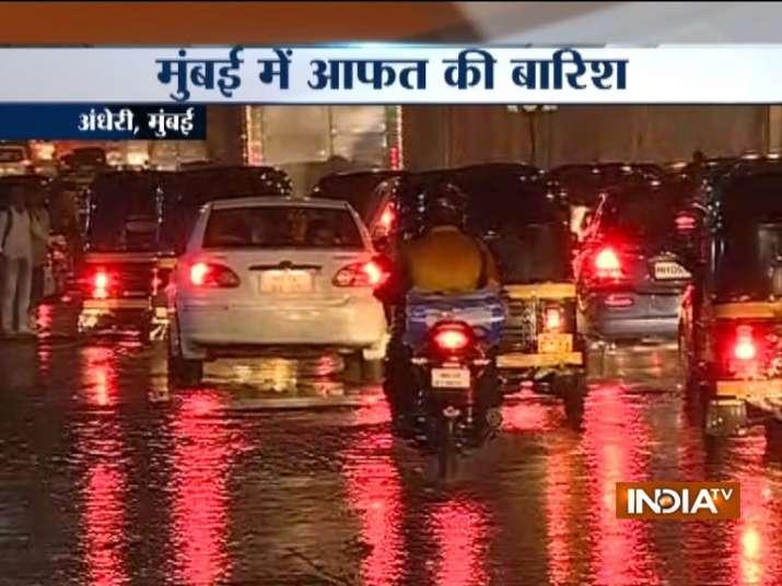 Pre-monsoon showers lash Mumbai