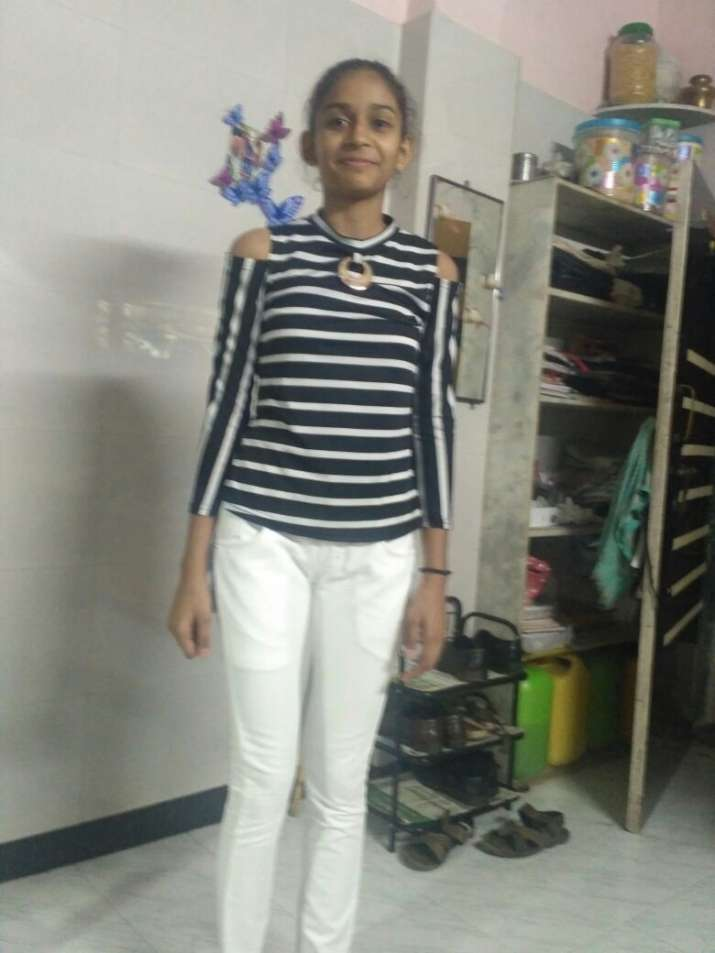 India Tv - The victim has been identified as 13-year-old Drishti Munger. She was daughter of a diamond trader and was on her way back home from tutions.