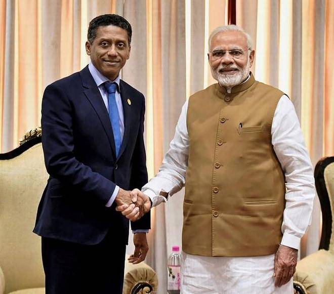 India Tv - PM Modi had met with Seychelles President earlier this year during his visit to New Delhi for Solar Summit. According to reports, PM Modi had tried to negotiate the naval base deal again so that it can be pushed through the parliament.