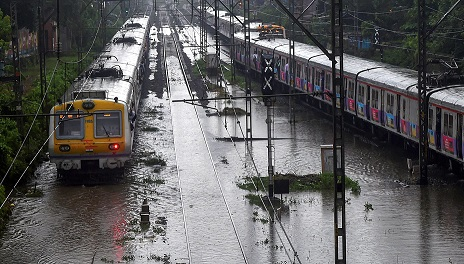 Weather Alert: IMD issues warning for heavy rain in Mumbai today
