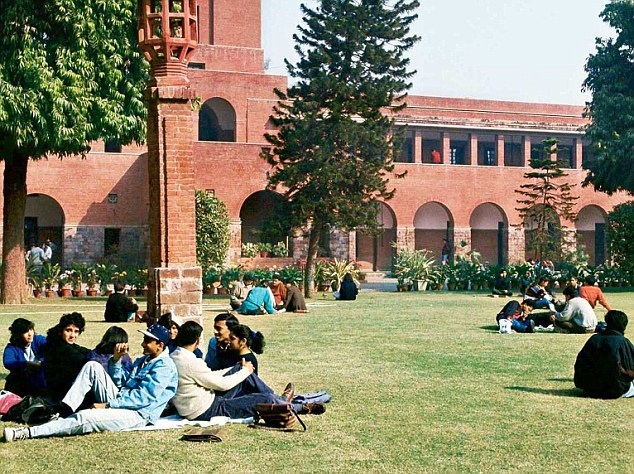DU Admissions 2018-19: Cut-offs released, St Stephen's sets