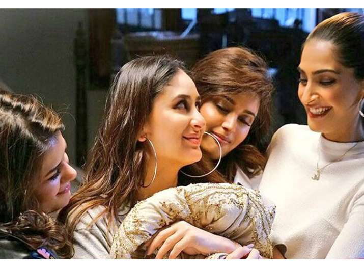Veere Di Wedding Reviews.Veere Di Wedding Bollywood Celebs Found It Not A Chick