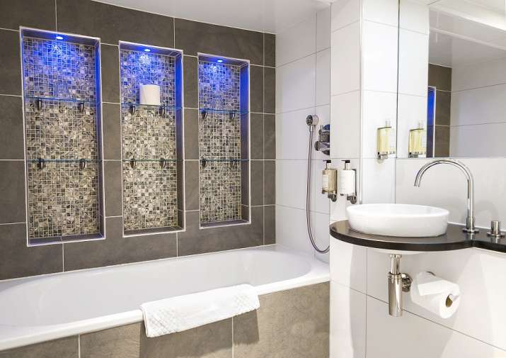Tricks to make way for a statement bathroom